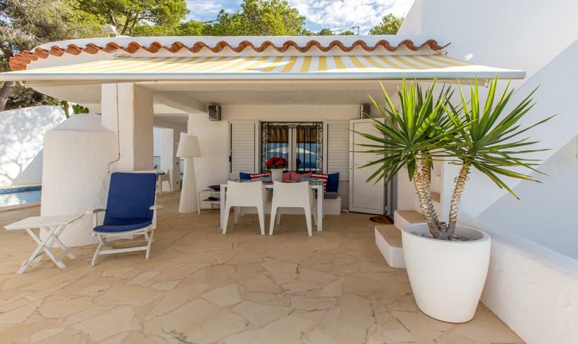 Überdachte Terrasse Ferienhaus Ibiza IBZ 31
