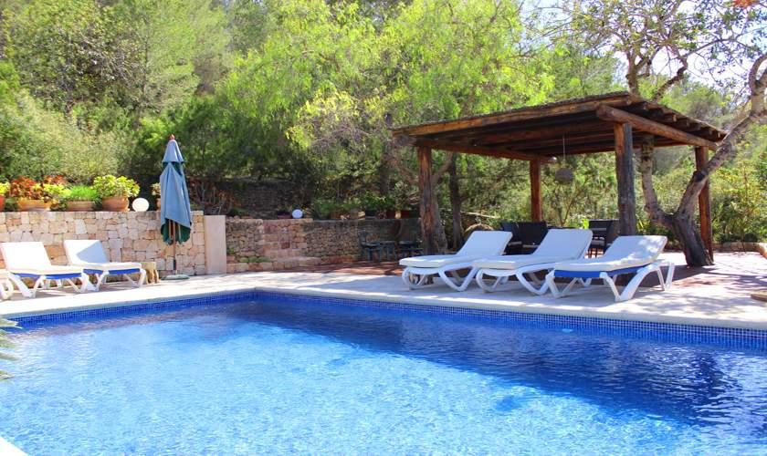 Pool und Poolterrasse Ferienfinca Ibiza IBZ 35