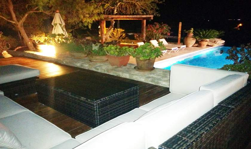Poolterrasse abends Finca Ibiza IBZ 35