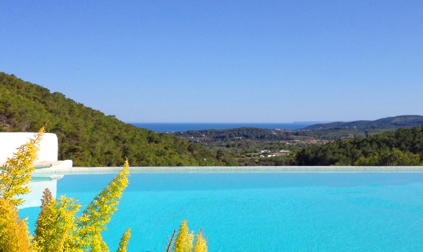 Poolblick Ferienvilla Ibiza 6 Personen IBZ 45