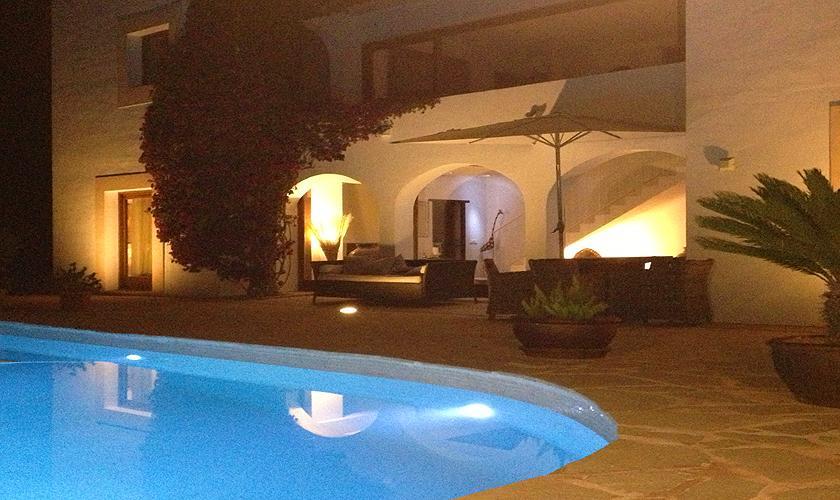 Pool am Abend Ferienvilla Ibiza 6 Personen IBZ 45