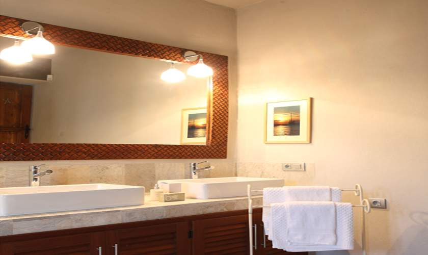 Badezimmer Ferienfinca Ibiza 10 Personen IBZ 46
