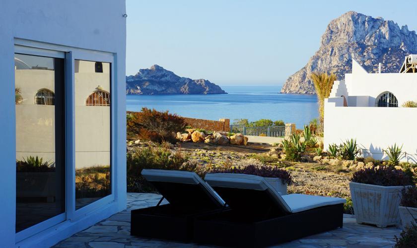 Terrasse Ferienvilla Ibiza Meerblick IBZ 50