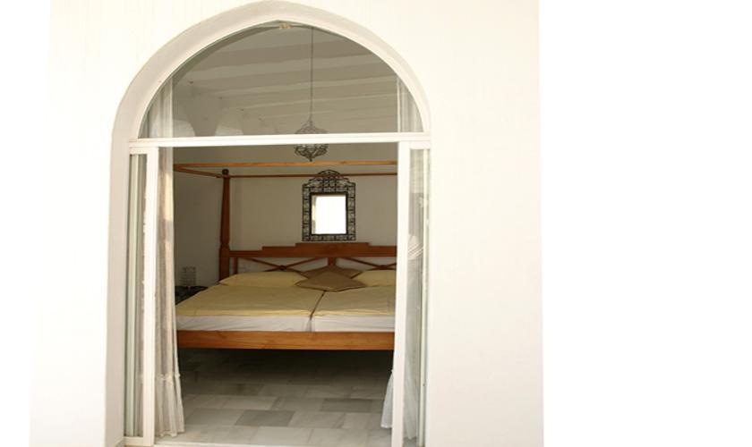 Schlafzimmer Ferienvilla Ibiza Meerblick IBZ 50