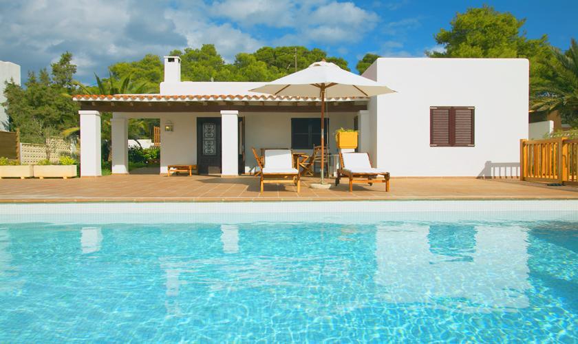 Pool und Ferienhaus Ibiza für 6 Personen IBZ 55