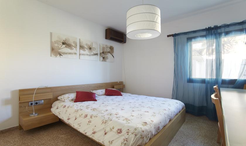 Schlafzimmer Ferienhaus Ibiza Meerblick IBZ 55