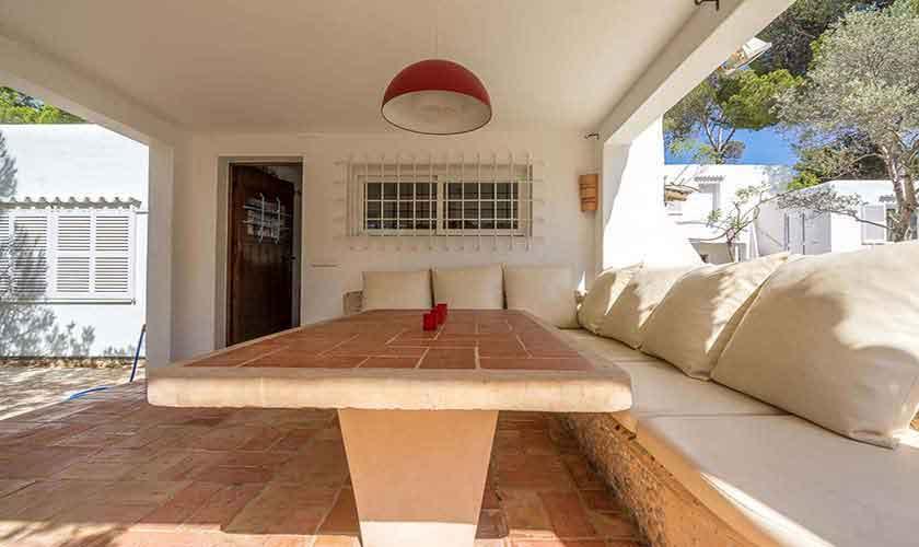 Überdachte Terrasse und Finca Ibiza 10 Personen Ibz 61
