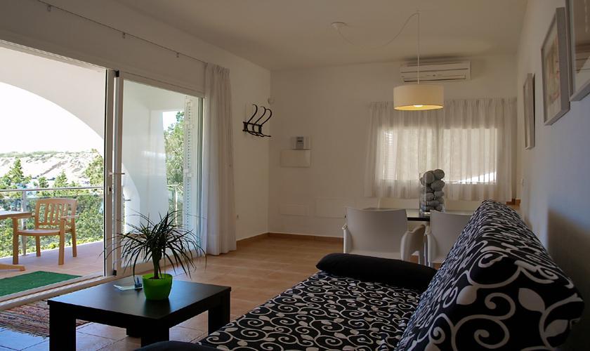Wohnraum Ferienhaus Ibiza mit Meerblick IBZ 62