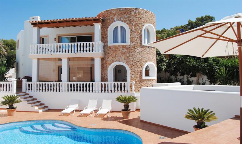 Pool und Villa Ibiza IBZ 63
