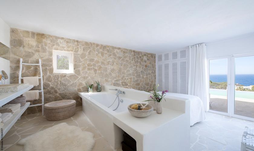 Badezimmer Ferienhaus Ibiza Meerblick IBZ 65