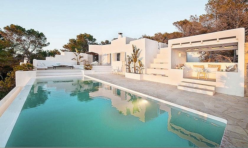 Pool und Villa Ibiza 6 Personen IBZ 65