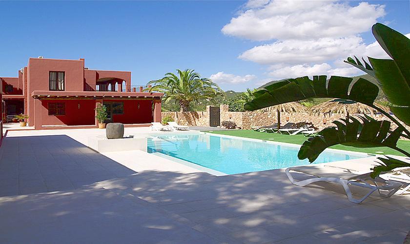 Pool und Villa Ibiza für 12 - 14 Personen IBZ 68