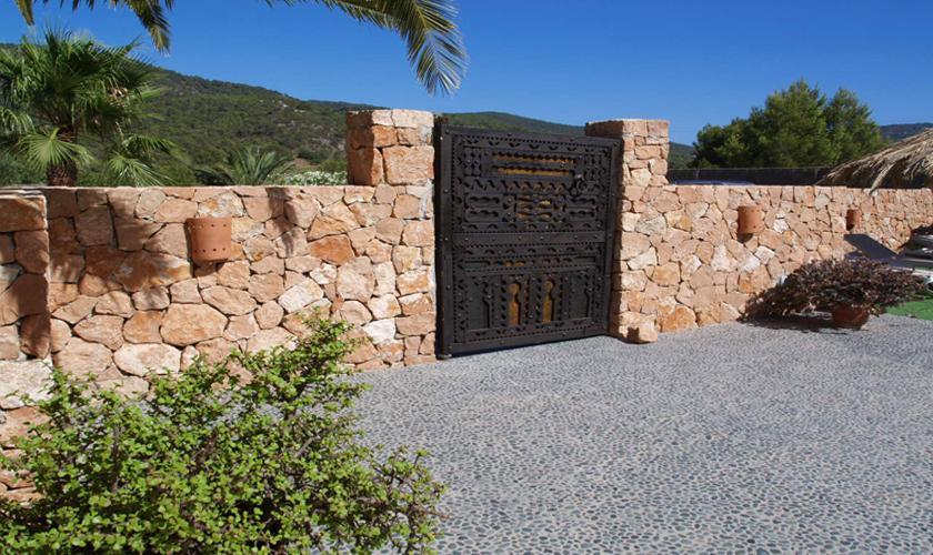 Eingangstor Finca Ibiza für 12 - 14 Personen IBZ 68