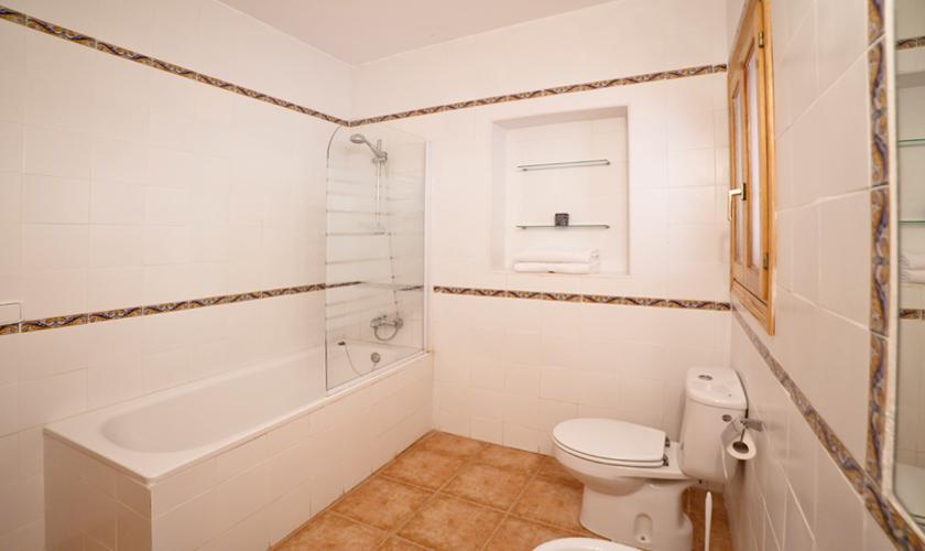 Badezimmer Ferienhaus Ibiza mit Pool IBZ 69