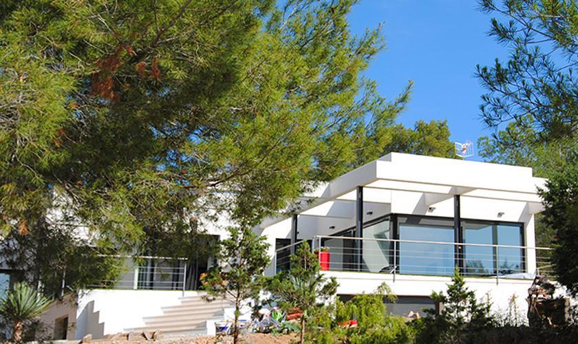 Blick auf die Ferienvilla Ibiza 10 Personen IBZ 70