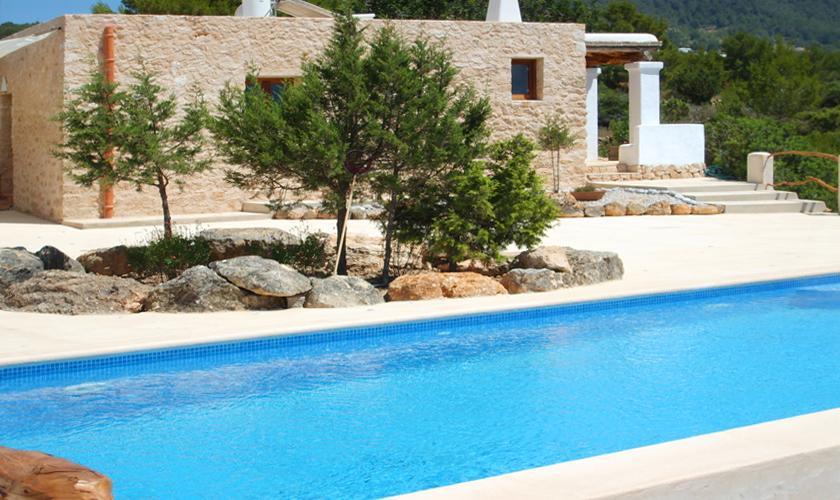 kleines ferienhaus ibiza f r 2 personen mit pool und meerblick mieten. Black Bedroom Furniture Sets. Home Design Ideas