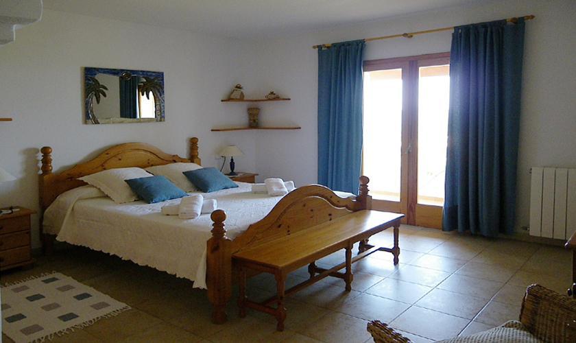 Schlafzimmer Finca Ibiza mit Meerblick  IBZ 76