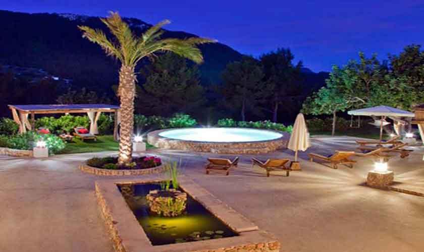 Terrasse und Teich Finca Ibiza für 8-10 Personen IBZ 82