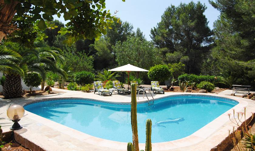 Pool der Finca Ibiza 6 Personen IBZ 90
