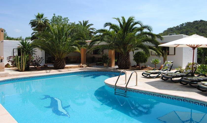 typische ibiza finca mit gro em pool f r 6 personen zu mieten steiner. Black Bedroom Furniture Sets. Home Design Ideas