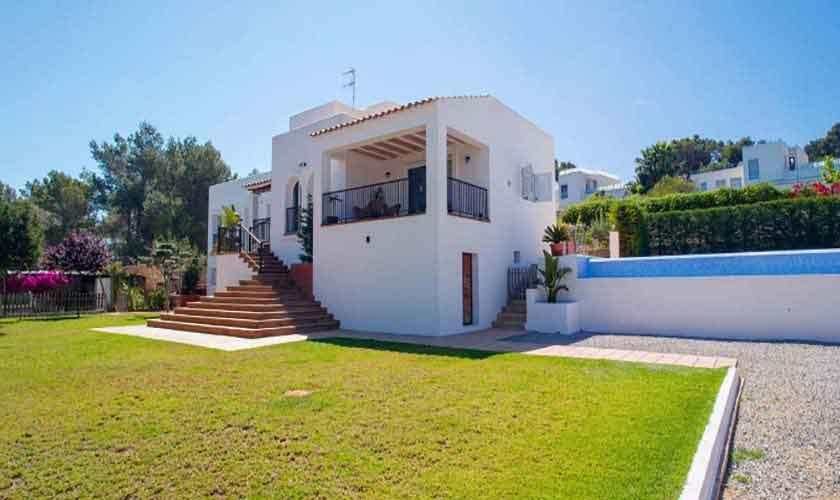 Rasenflächen und Ferienvilla Ibiza 8 Personen IBZ 91
