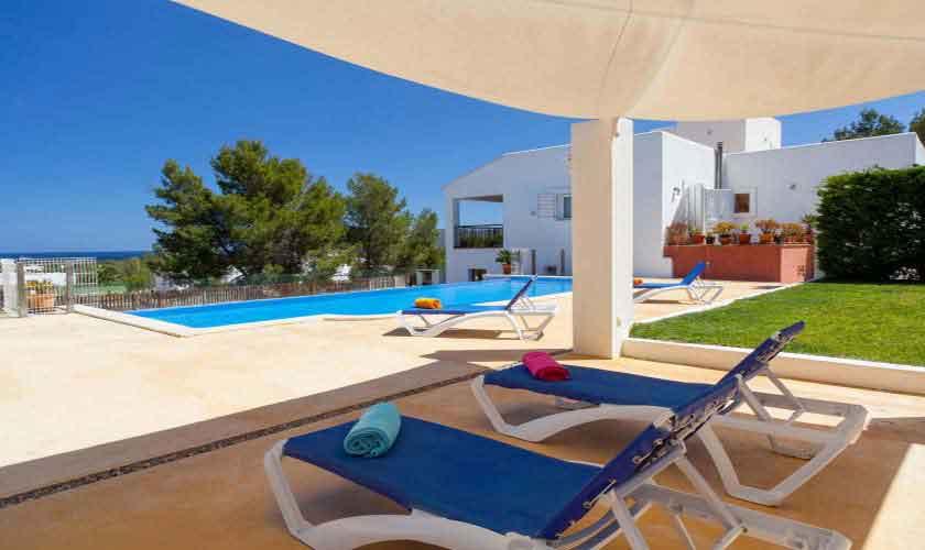 Pool und Terrasse Ferienvilla Ibiza 8 Personen IBZ 91