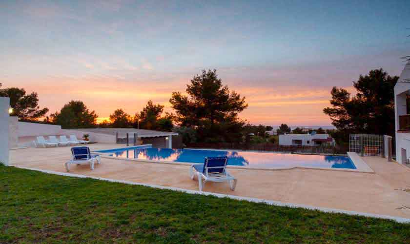 Meerblick abends Ferienvilla Ibiza 8 Personen IBZ 91