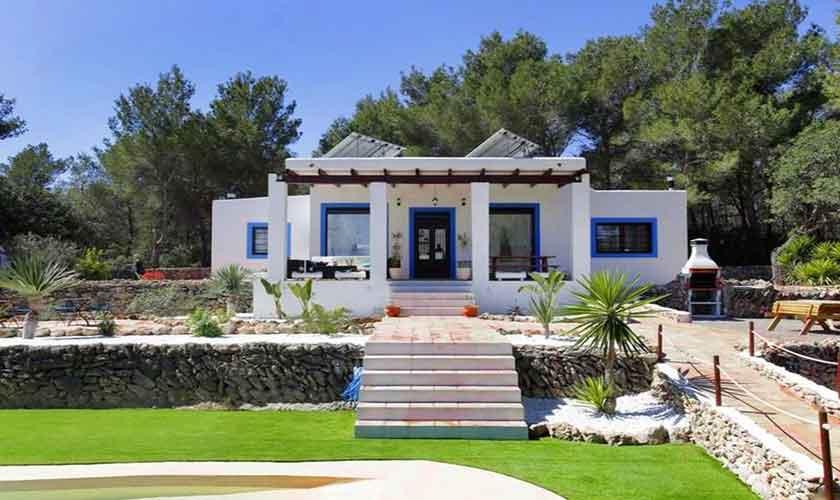 Blick auf die Ferienfinca  Ibiza 6 Personen IBZ 96