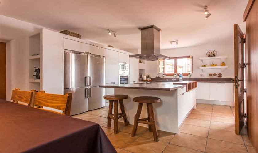 Küche Finca Ibiza mit Pool IBZ 97