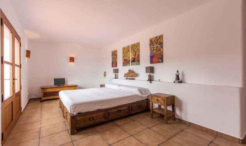 Schlafzimmer Finca Ibiza mit Pool IBZ 97