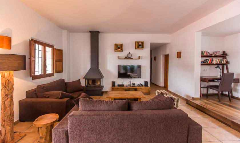 Wohnraum Finca Ibiza mit Pool IBZ 97