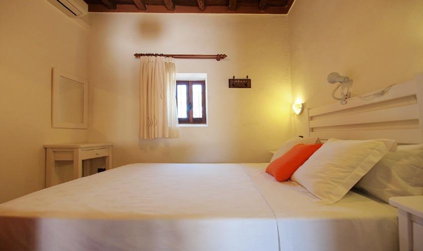 Schlafzimmer Ferienhaus 8 Personen Ibiza Pool Internet Klimaanlage IBZ 11