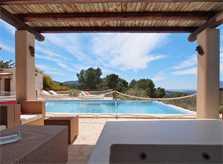 Überdachte Terrasse Poolvilla mit Klimaanlage und Internet Ibiza IBZ 11