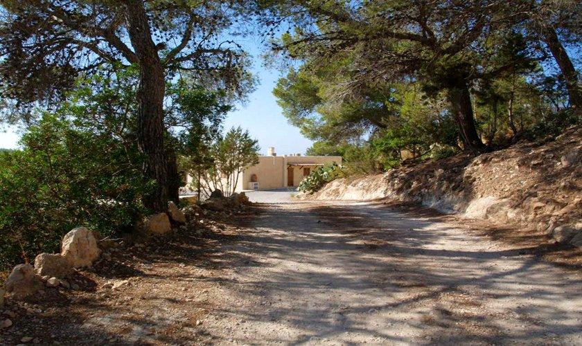 Zufahrt zum Haus Poolvilla 8 Personen Klimaanlage WLAN IBZ 11