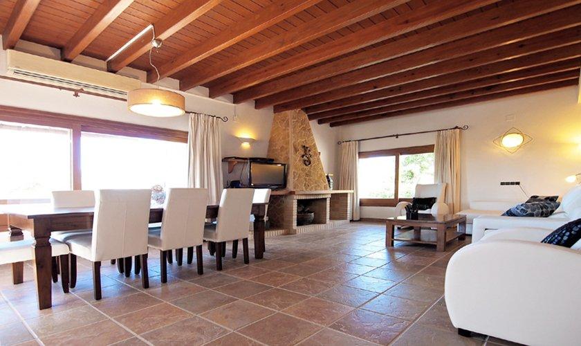 Großer Esstisch Luxusvilla Ibiza mit Pool IBZ 11
