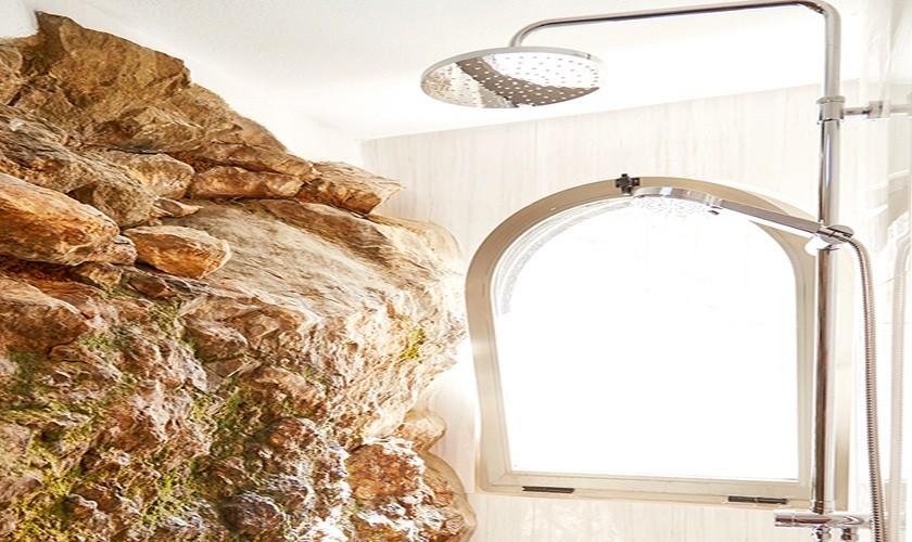 Duschbad luxuriöses Ferienhaus mit Pool Ibiza Meerblick IBZ 12