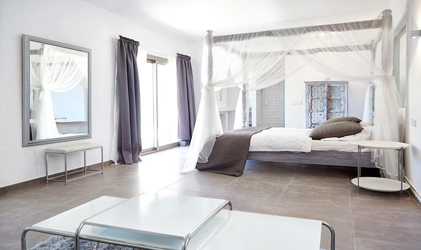 Schlafzimmer Poolvilla Cala d'Hort IBZ 12