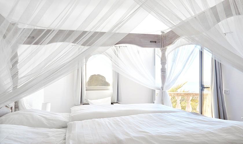 Himmelbett Komfort-Ferienhaus mit Pool Ibiza Westküste