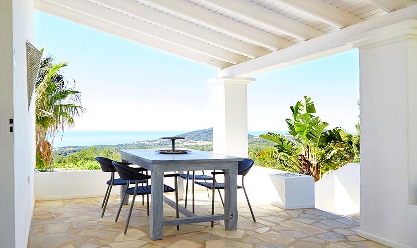 Terrasse mit Esstisch Ferienhaus mit Pool Ibiza IBZ 12
