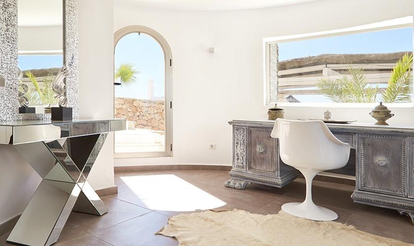 Exklusiver Wohnbereich Poolvilla Ibiza IBZ 12