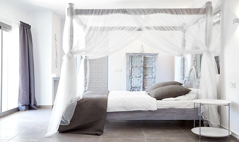 Modernes Schlafzimmer Poolvilla Ibiza IBZ 12