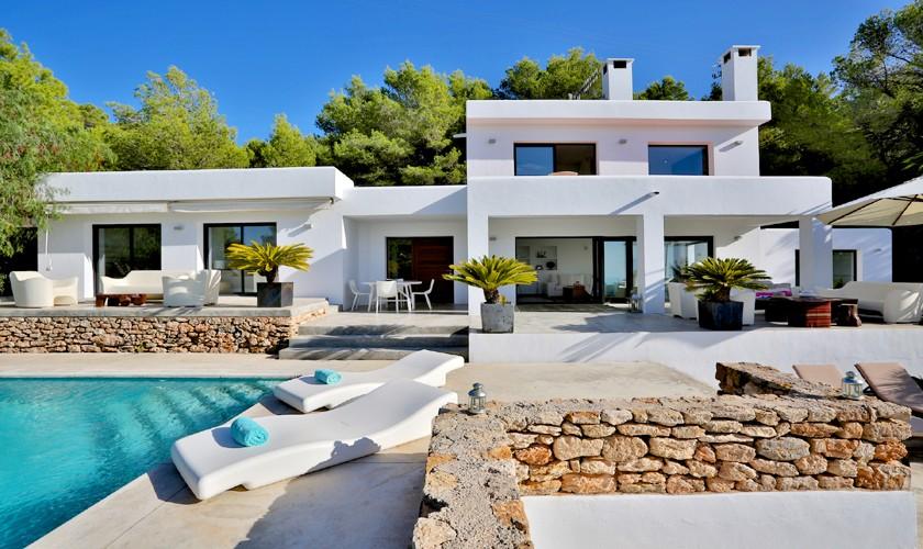 Villa von vorne Ibiza Pool Internet Klimaanlage IBZ 14