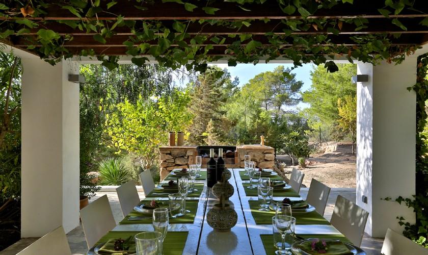 Terrasse Ferienhaus mit Pool und Meerblick Cala Tarida IBZ 14