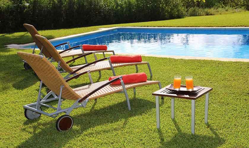 Pool und Rasenflächen Finca Ibiza IBZ 29