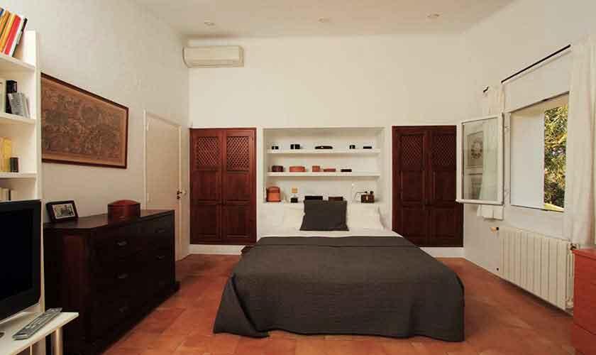 Schlafzimmer Ferienfinca Ibiza IBZ 29