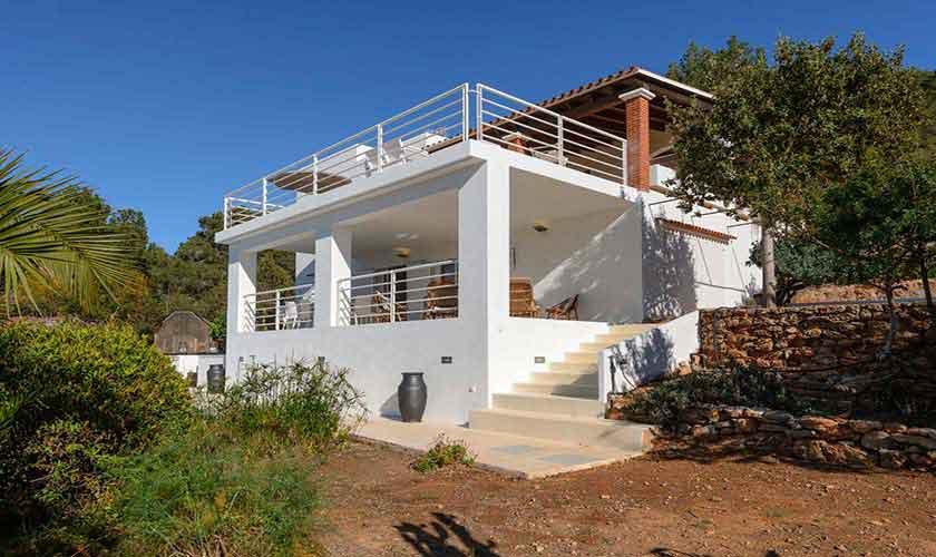 Blick auf die Ferienvilla Ibiza 12 Personen IBZ 72
