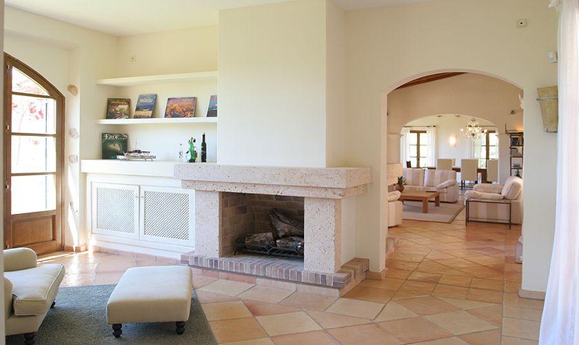Wohnraum mit Kamin Luxusfinca Mallorca Andratx PM 105