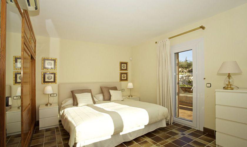 Schlafzimmer Ferienhaus Mallorca Süden PM 165