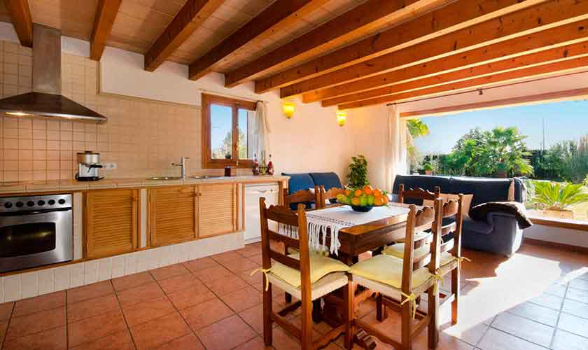 Küche Finca Mallorca für 6 Personen PM 301