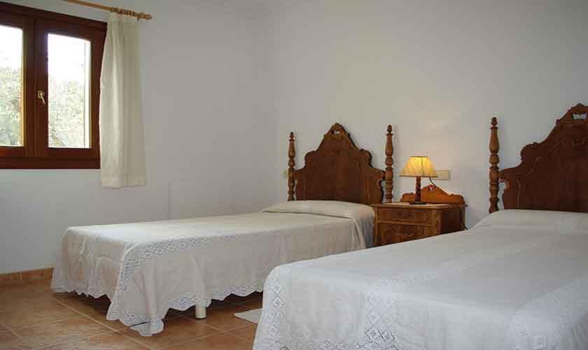 Typische Finca Mallorca mit Pool für 8-10 Personen in Selva ...